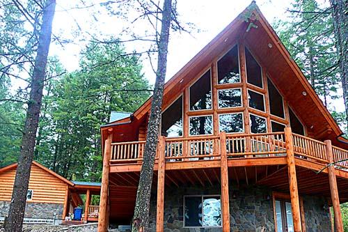 Yellowstone Chalet larger log home design from Lazarus Log Homes Idaho wyoming border