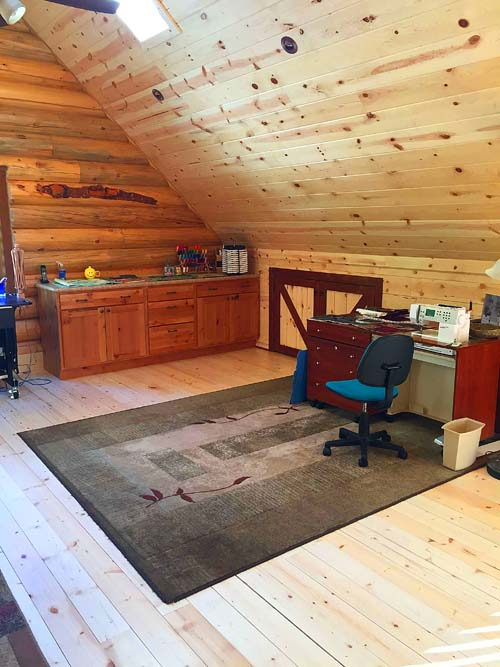 loft with kneewall lazarus montana spf and lodgepole pine logs 500